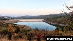 Изобильненское водохранилище. Как убывает вода (фотогалерея)