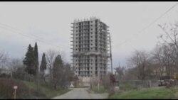 10 mərtəbəli bina partladıldı, yıxılmadı
