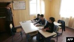 По информации Минобразования, выработан более мягкий вариант перевода грузинских школ на новый стандарт обучения