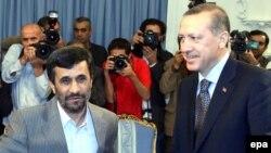 Ахмадинежад (слева) и Эрдоган
