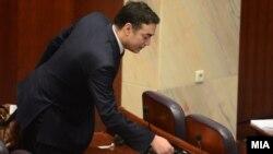 Министерот за надвореши работи Никола Димитров на седница во Собрание.