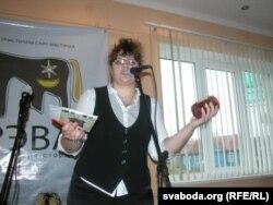 Валерыя Кустава – вядоўца і выступоўца