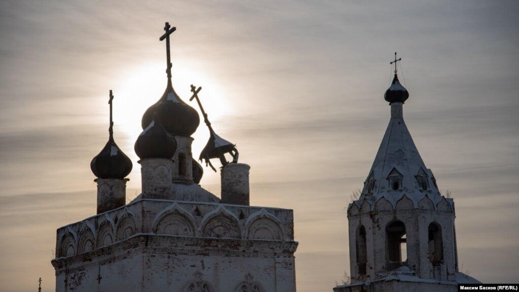 «Еще живого закопали в землю». Как в Сибири уничтожали епархии и священников