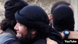"""Сириядағы қазақ """"жиһадшыларының"""" видеосынан алынған скриншот. (Көрнекі сурет)"""