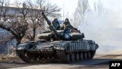 Український танк у Дебальцево. 13 лютого 2015 року
