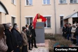 Открытие бюста Сталину в Луганске