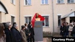 Луганские сепаратисты открывают бюст Сталина (архивное фото)