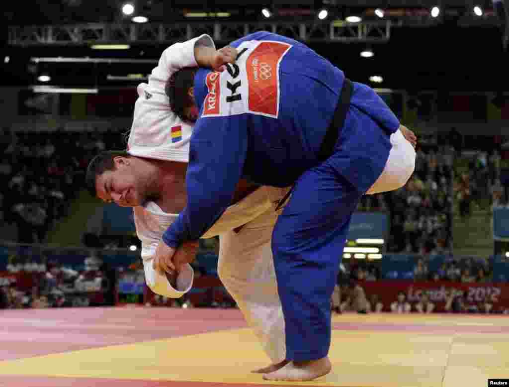 Лондон-2012. Поединок кыргызского и японского олимпийцев по дзюдо