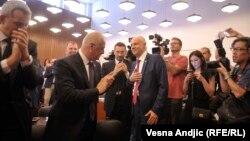 Novi gradonačelnik BeogradaZoran Radojičićje izjavio da će raditi u interesu i onih koji su i koji nisu glasali za njega