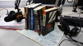 Cărţi de Vladimir Beşleagă şi manuscrisul romanului Voci