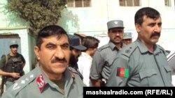 د خوست امنیتي کمندانان او نور افغان سربازان