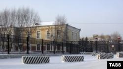 Здание Челябинского танкового училища, где проходил службу Андрей Сычев