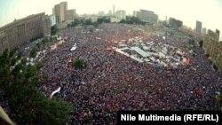 Каирдин Тахрир аянтындагы демонстранттар, 30-июнь, 2013.