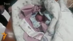OZOD-VIDEO: Москвада ўзбек муҳожири янги туғилган чақалоқ ҳаётини сақлаб қолди