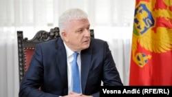 Ako se desilo puko prepisivanje sljede konsekvence: Duško Marković