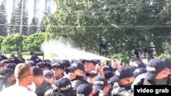 În timpul protestelor de la 27 august la Chișinău