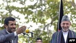 محمود احمدی نژاد و حامد کرزای در کنفرانس خبری در کابل