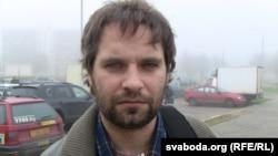 Цэнтральны суд Менску разглядае адміністрацыйную справу супраць грамадзкага актывіста Ільлі Дабратвора.