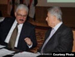 طلال التركاوي مع عبد الحليم خدام