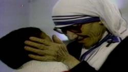 Ватикан в воскресенье причислит Мать Терезу к лику святых