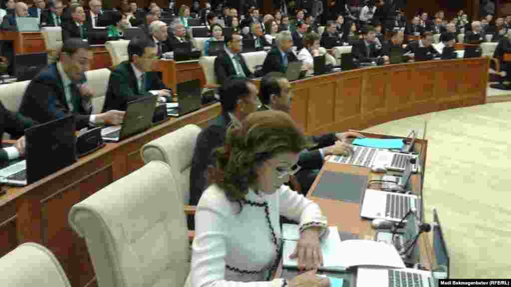 13 сентября 2016 года Дарига Назарбаева была назначена депутатом сената парламента Казахстана. Согласно Конституции Казахстана, 15 депутатов сената назначаются президентом.