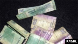 Many Tajiks can't distinguish counterfeit currency from real currency