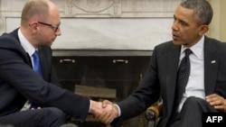 Американско-украинское рукопожатие: Барак Обама и Арсений Яценюк в Белом доме. 12 марта