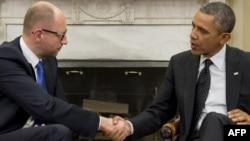 АҚШ президенті Барак Обама (оң жақта) мен Украина премьер-министрі Арсений Яценюк. Вашингтон, 12 наурыз 2014 жыл.