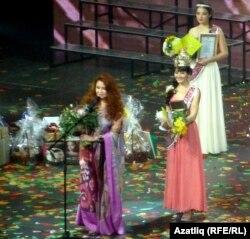 Лена Колесникова һәм Зәлия Әхтәмова (у)