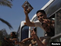 Вызваленыя з ізраільскай турмы палестынцы ўязжджаюць у Сэктар Газы