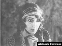 """İranın ilk qadın film ulduzu Roohangiz Saminejad """"Lor qızı"""" filmində Gülnar rolunda"""