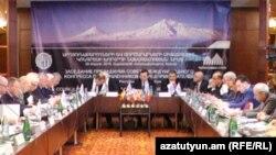 Արդյունաբերողների և գործարարների միջազգային կոնգրեսի խորհրդի նախագահության նիստը Երևանում: 29-ը մարտի, 2016 թ․