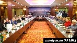 ԵԱՏՄ տարածքում մաքսային խնդիրների նվիրված միջազգային կոնֆերանս Երևանում: 29-ը մարտի, 2016 թ․