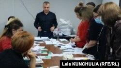 Заседание окружной избирательной комиссии в Сабуртало