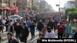 Столкновения демонстрантов с полицией в Гизе