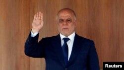 حیدر عبادی میگوید در ماه آوریل، مقامهای امنیتی عراق، در یک جت خصوصی قطری که در بغداد به زمین نشسته بود، چمدانی دربرگیرنده صدها میلیون دلار پیدا کردند.
