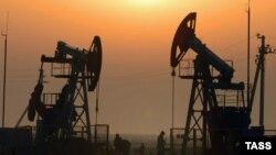 Экономическая среда: рубль отдалился от барреля