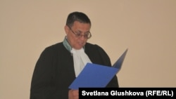 Наби Пазылов, судья Сарыаркинского суда №2,города Астаны, 21 июня 2012 года.