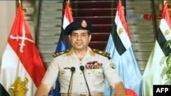 Египеттің қорғаныс министрі Абдел Фаттах әл-Сиси теледидардан сөйлеп тұр. 3 шілде 2013 жыл