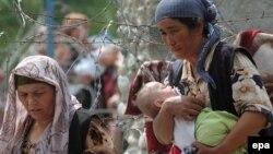 Ош оқиғасы кезінде босып кеткен өзбек азаматтар. Қырғызстан, 17 маусым 2010 жыл. (Көрнекі сурет)