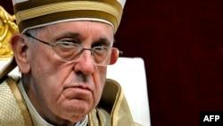 Papa Françesku.