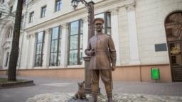 Скульптура царского полицейского в Минске