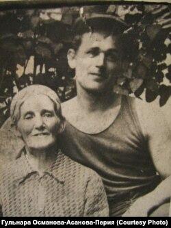 Джумазе Перия с сыном Изетом