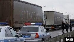Акция дальнобойщиков на трассе в Ростове-на-Дону