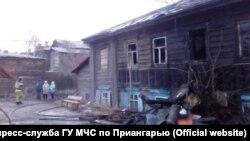 Аварийный дом-памятник, в котором сгорели люди