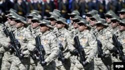Azərbaycan hərbçiləri Moskvada hərbi paradda - 2015