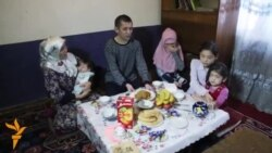 OZOD-VIDEO: Россиядаги ўзбек қочқини: Бизни тинч қўйинг
