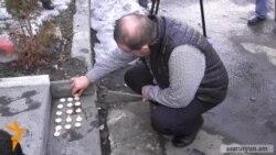 Մոմավառություն Գյումրիում Ուկրաինայի հյուպատոսության մոտ