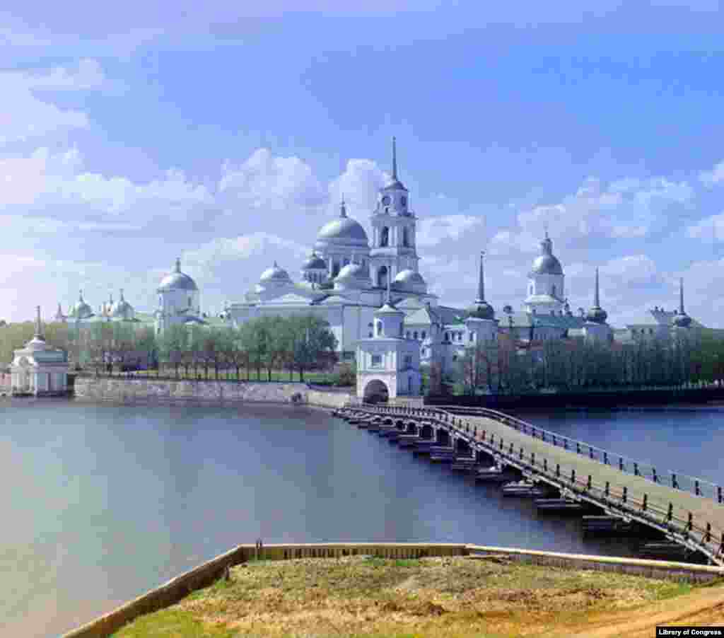 The Nilov Monastery on an island in Lake Seliger in Tver Province, northwest of Moscow. - Of the numerous churches, monasteries, mosques, and Islamic schools photographed by Prokudin-Gorsky, many did not survive the world wars and the Soviet era. This monastery was used for various secular purposes during Soviet times, but was returned to the Russian Orthodox Church in 1990 and is once again a functioning monastic community.