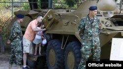 Изложба на оружје и опрема на АРМ по повод 20 години јубилеј. Скопје, Македонија.